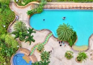 Mantenimiento de agua incorporando sal para piscinas