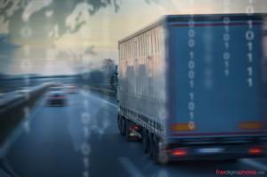 Camion que transporta mercancías peligrosas con un consejero ADR